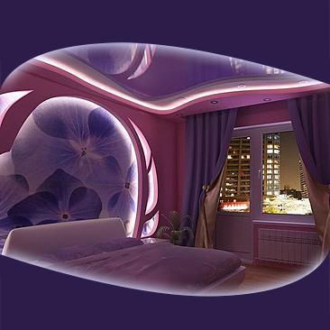 спалня с опънати тавани